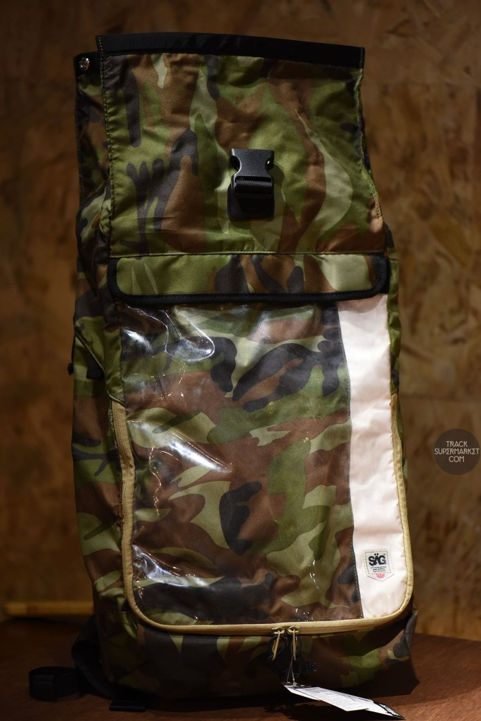 sag_life_tokyo_airforce2_rolltop_backpack_black_camo_04